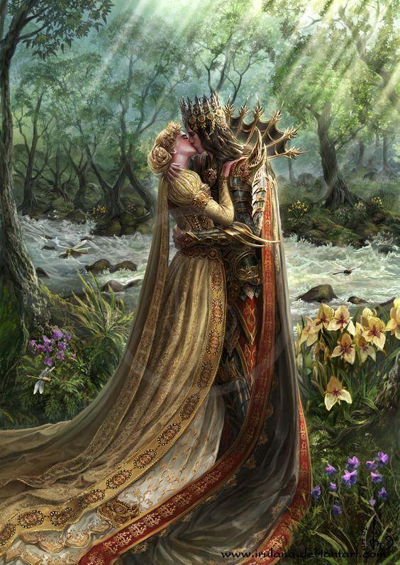 Couple s'embrassant dans forêt