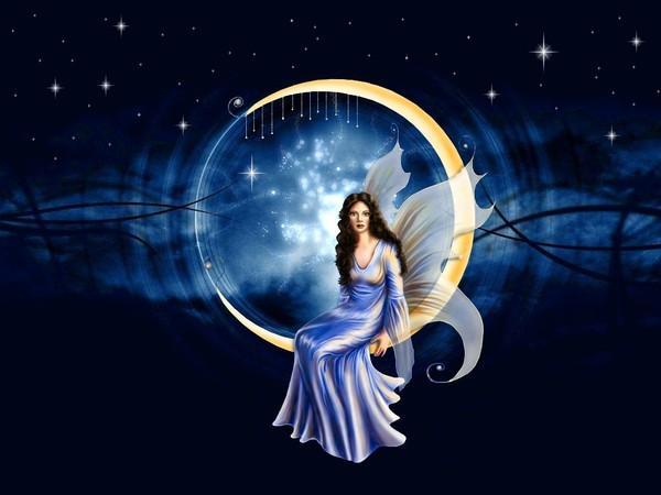Femme assise sur croissant lune