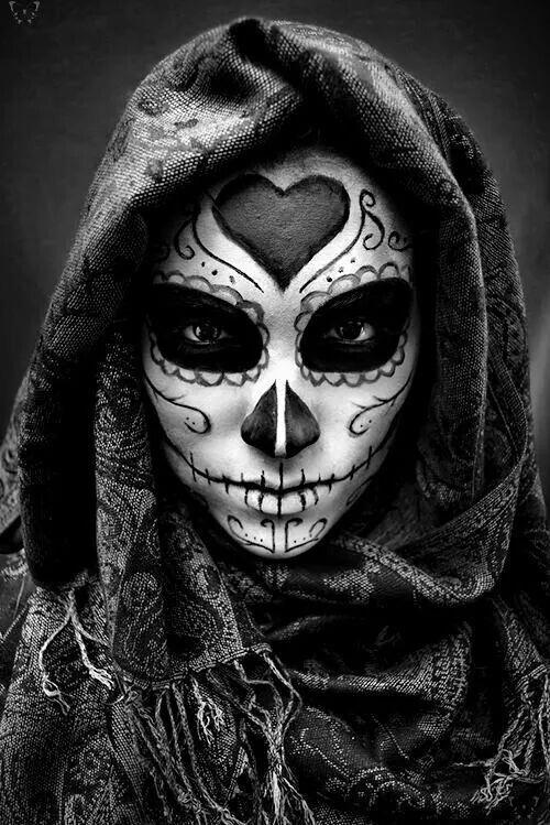 Femme-squelette noire