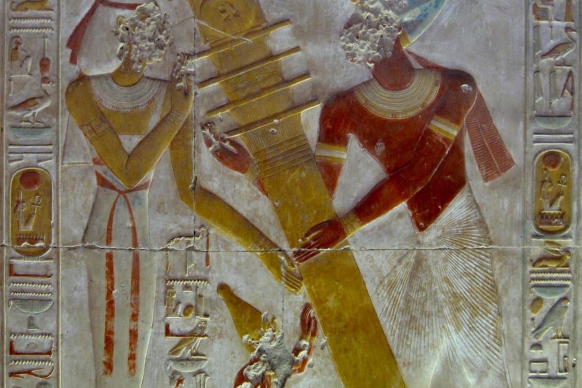 Isis et la colonne d'Osiris