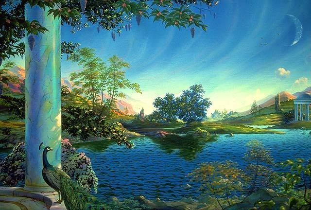 Paon colonne dans paysage bleu