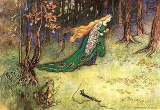 Princesse et grenouille dans forêt